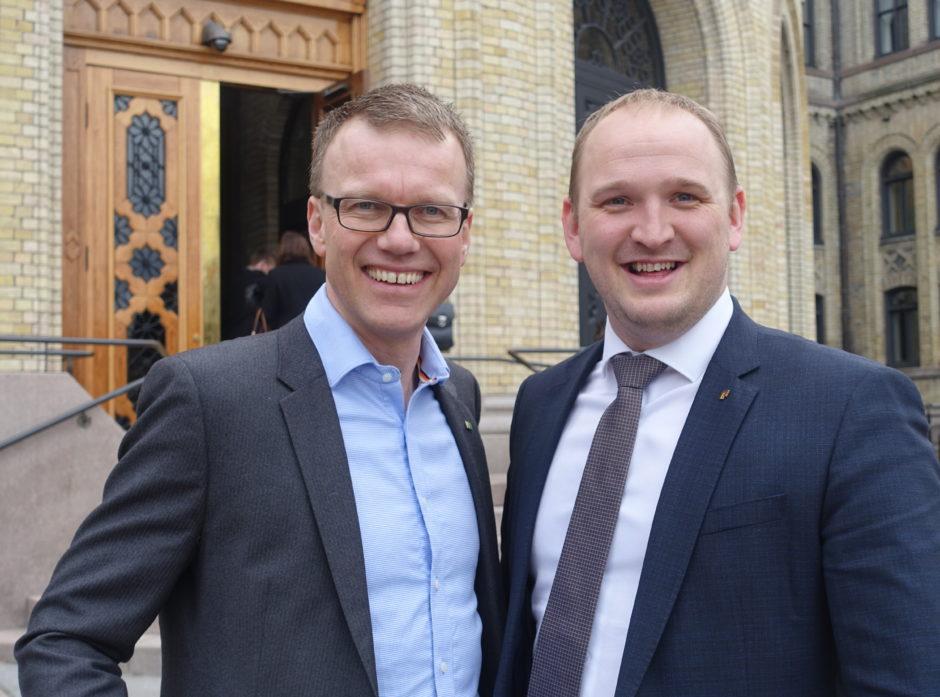 Adm.dir i Norges Skogeierforbund, Erik Lahnstein (t.v.) og landbruks- og matminister Jon Georg Dale er enige om at Nasjonal Transportplan vil gi fart på det grønne skiftet