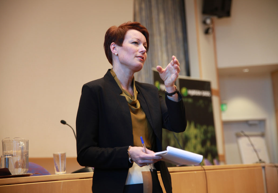 Line Henriette Heimdal på Mjøsen Skog sitt årsmøte.