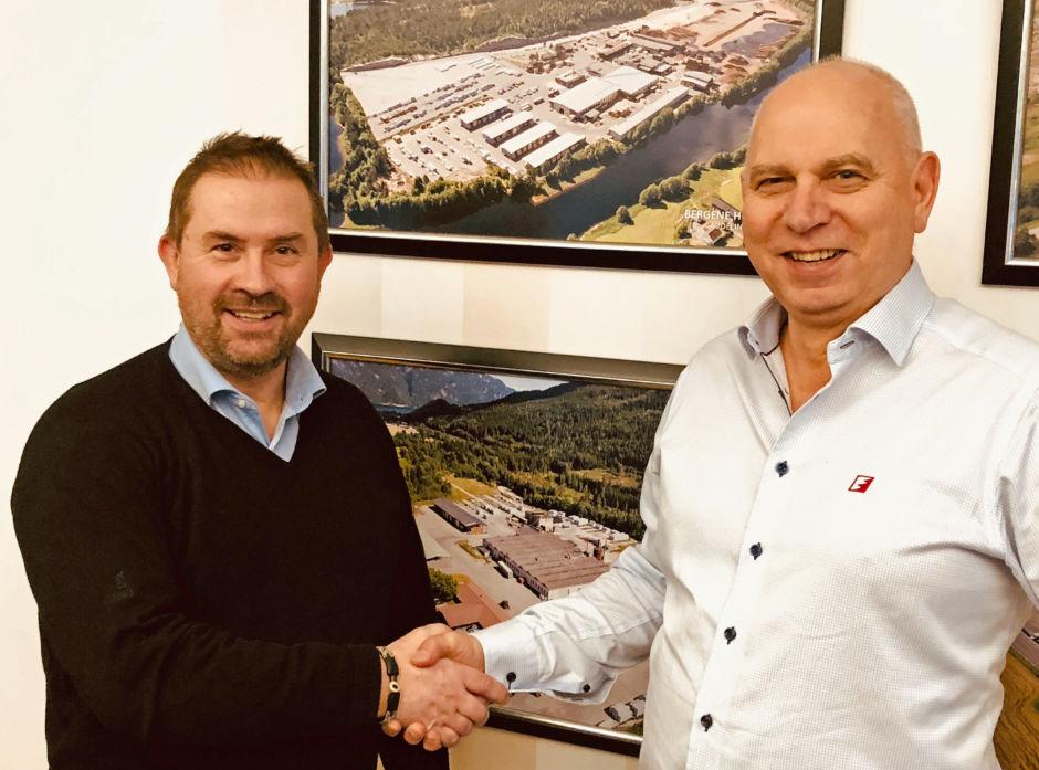 Direktør Johan Mørland i Bergene Holm avd. Nidarå (t.h.) er fornøyd med avtalen de har inngått med Valutec, her representert ved salgssjef Jon Lindberg.