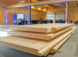 Åpnet ny produksjons-katedral i massivtre