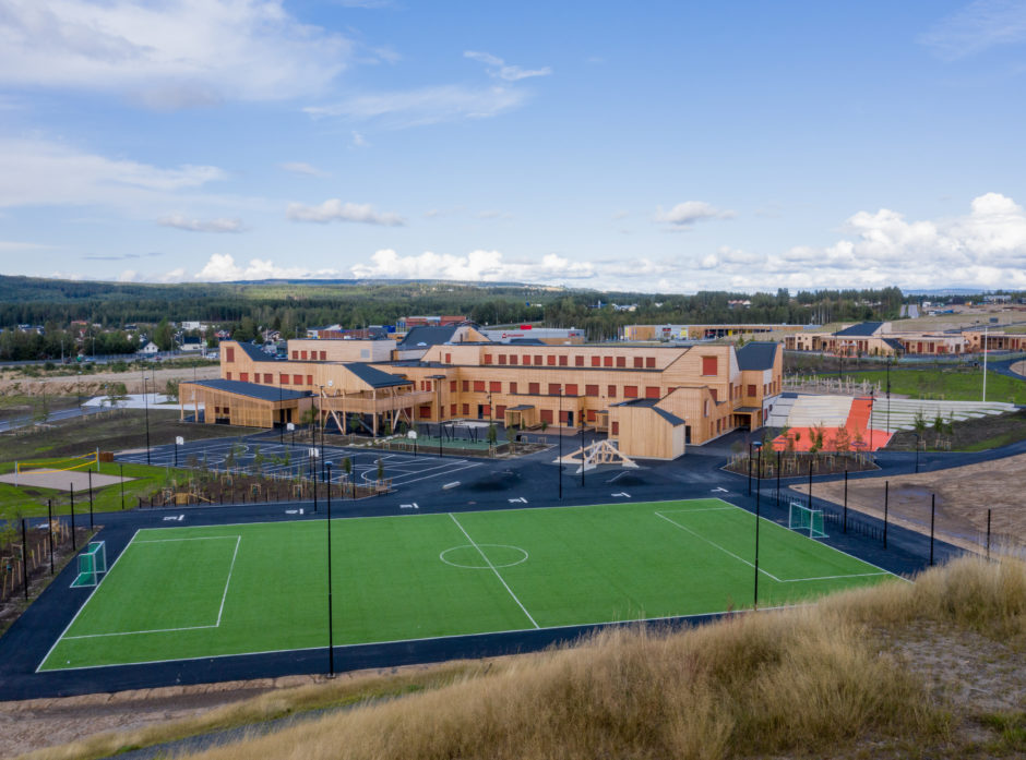 Ydalir barneskole i Elverum. Foto: Hornkvern  Film og Foto