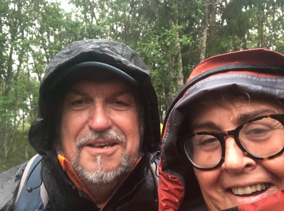 Olaug og Jan Frode Bollestad på skogtur.