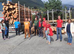 Mobiliserer for å få tømmeret raskere fram